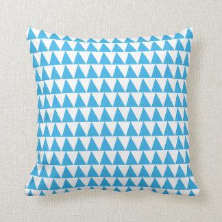 Coussin Motif bleu de triangles