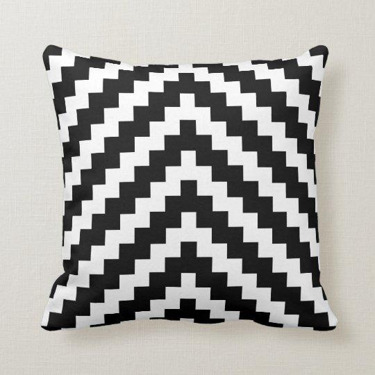 Coussin motif de zigzag azt que en noir et blanc - Coussin ethnique noir et blanc ...