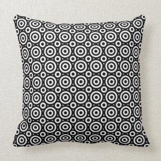 Coussin Motif géométrique noir et blanc de cercles