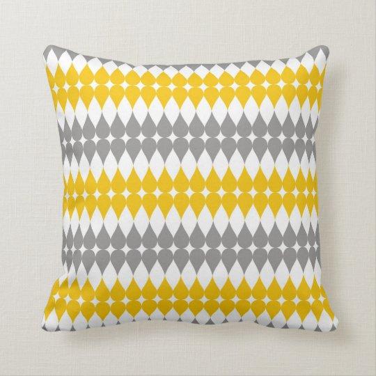 coussin motif jaune et gris de baisse de larme. Black Bedroom Furniture Sets. Home Design Ideas