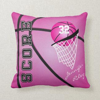Coussin Nom et nombre roses du basket-ball |