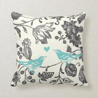 Coussin Oiseau floral moderne vintage gris en bon état à