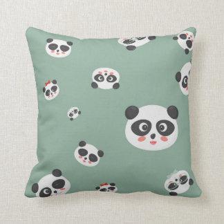 Coussin ou coussin mignon de visages de panda