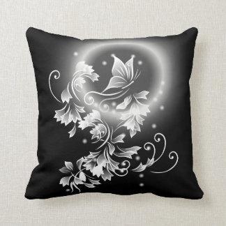 Coussin Papillon floral noir et blanc