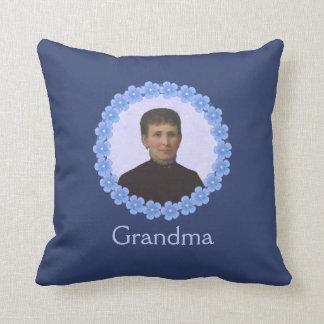 Coussin Photo de grand-mère dans la coutume bleue de cadre