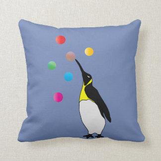 Coussin pingouin