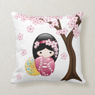 Coussin Poupée de Kokeshi de ressort - fille de geisha