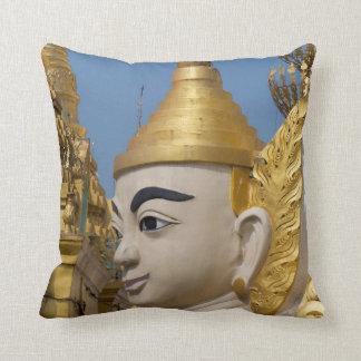 Coussin Profil de statue de Bouddha
