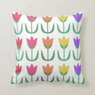 Coussin Rangées colorées de tulipes de ressort de motif de
