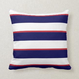 Coussin Rayures blanches de bleu marine, rouges et grandes