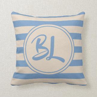 Coussin Rayures bleu-clair et beiges personnalisables
