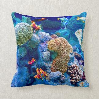 Coussin Récif coralien sous-marin coloré tropical