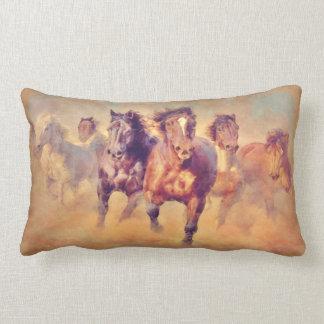 Coussin Rectangle Aquarelle sauvage de ruée de chevaux de mustang