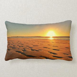 Coussin Rectangle Beau coucher du soleil au carreau de plage