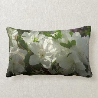 Coussin Rectangle Belles fleurs de ressort d'azalées blanches