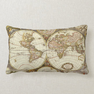 Coussin Rectangle Carte antique du monde, C. 1680. Par Frederick de