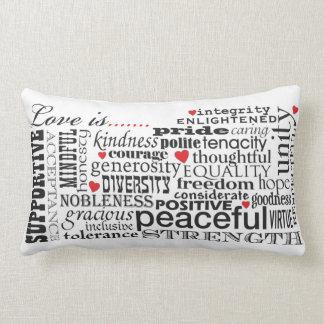 Coussin Rectangle L'amour est amour, matière de mots