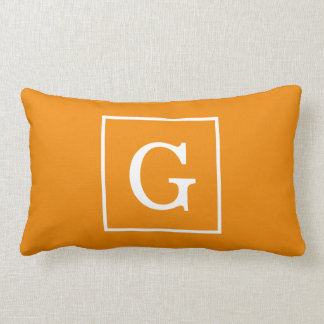 Coussin Rectangle Monogramme initial encadré par blanc orange de