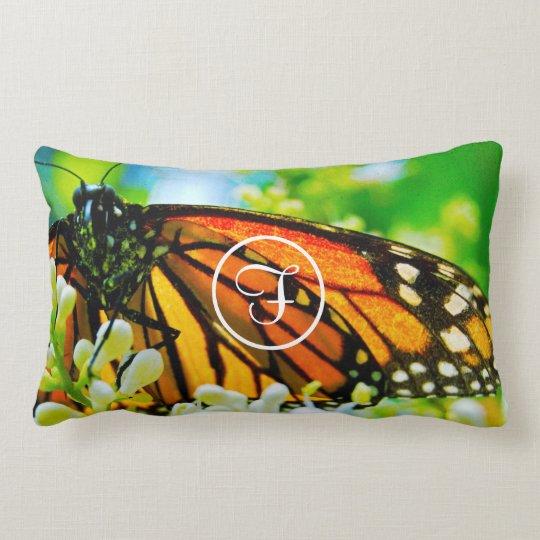 Coussin Rectangle Monogramme orange de coutume de photo de papillon