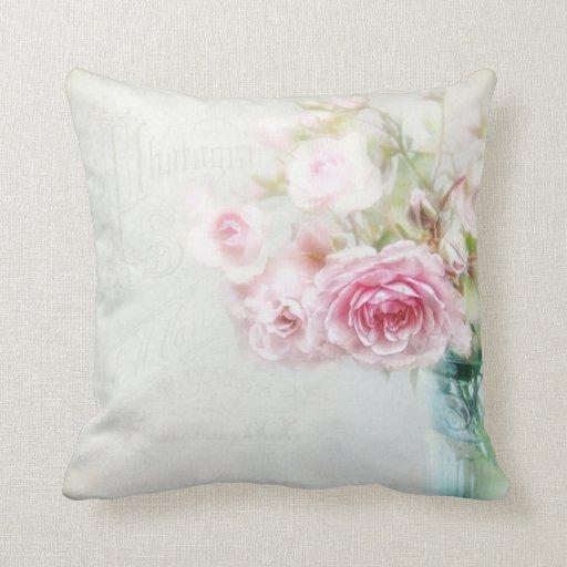 coussin romantique shabby rose zazzle. Black Bedroom Furniture Sets. Home Design Ideas