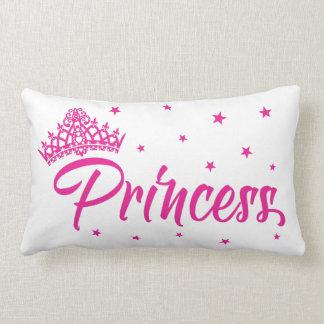 Coussin rose de princesse avec le diadème