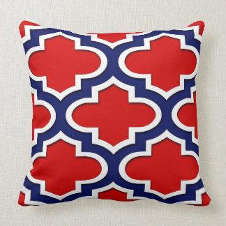 Coussin Rouge, bleu marine, Marocain blanc Quatrefoil #3DS