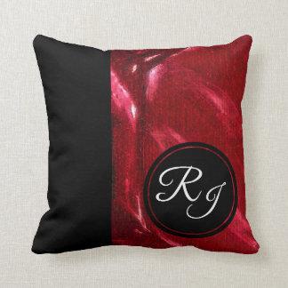 Coussin Rubis de luxe et monogramme initial noir plus