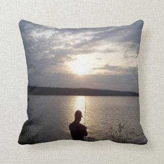 Coussin Silhouette de la pêche au coucher du soleil