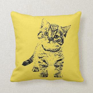 Coussin Stylo graphique noir de chat sur le jaune