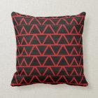 Coussin Triangles rouges w/Black