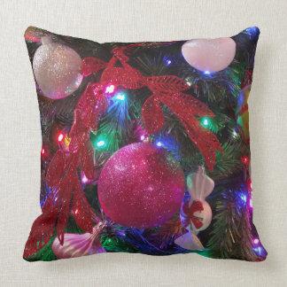 Coussin Vacances colorées multicolores d'arbre de Noël