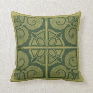 coussin vert avec un Art nouveau-ornement