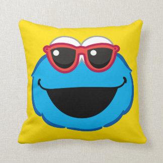 Coussin Visage de sourire de biscuit avec des lunettes de