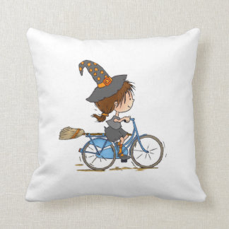 Coussin Witch in bike pillow
