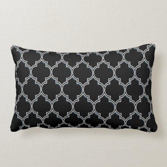 coussins blancs de quatrefoil et gris noirs. Black Bedroom Furniture Sets. Home Design Ideas