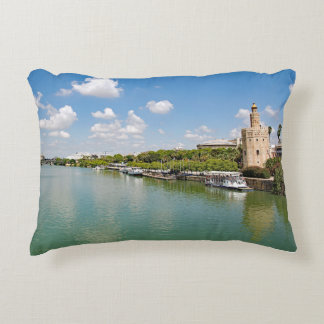 Coussins Décoratifs La rivière le Guadalquivir et la tour d'or