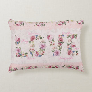 """Coussins Décoratifs Mot floral """"amour """" de roses roses traditionnels"""