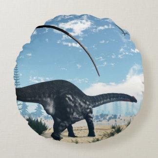 Coussins Ronds Dinosaure d'Apatosaurus dans le désert - 3D