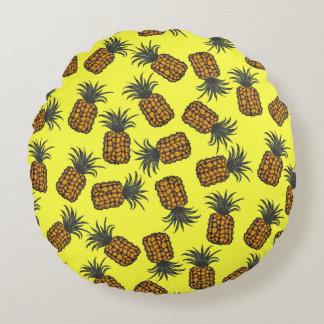 Coussins Ronds motif tropical peint à la main coloré d'ananas