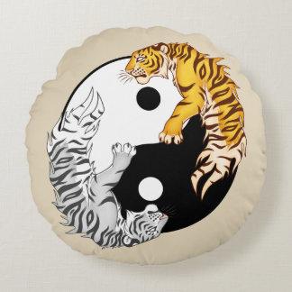 """Coussins Ronds Yin et carreau rond 16"""" de tigres de Yang x 16"""""""