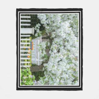 Couverture de floraison d'ouatine d'arbres par