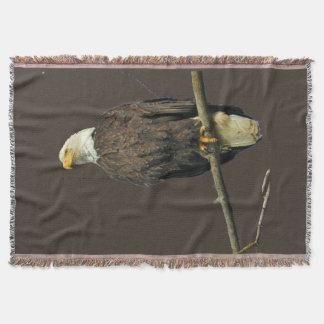 couverture de jet avec l'aigle
