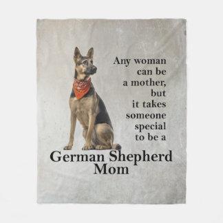 Couverture d'ouatine de maman de berger allemand