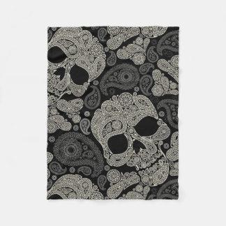 Couverture d'ouatine de motif d'os croisés de