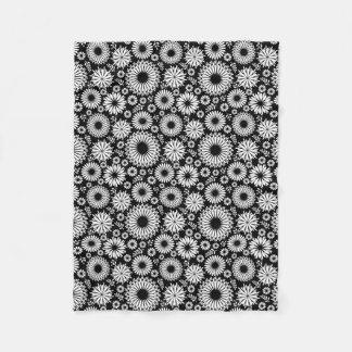 Couverture Polaire Boho fleurit le motif floral de vecteur noir et