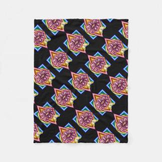 Couverture Polaire Fleur avec l'arrière - plan géométrique