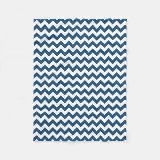 Couverture Polaire Le zigzag de bleu marine barre le motif de Chevron