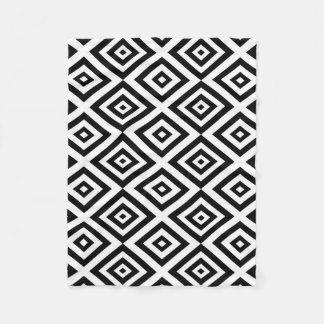 Couverture Polaire Motif géométrique abstrait - noir et blanc.