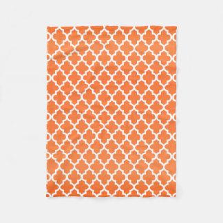 Couverture Polaire Motif orange et blanc de Quatrefoil