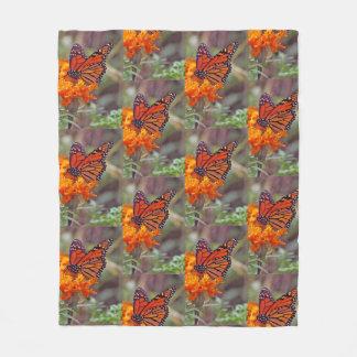 Couverture Polaire Papillon de monarque et Zinnia orange